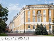 Купить «Сенатский дворец на территории московского кремля», эксклюзивное фото № 12905151, снято 27 июля 2015 г. (c) Александр Щепин / Фотобанк Лори