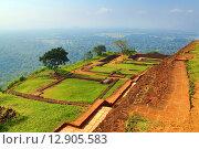 Купить «Руины крепости на вершине Сигирия. Шри-Ланка», фото № 12905583, снято 20 марта 2015 г. (c) Михаил Коханчиков / Фотобанк Лори