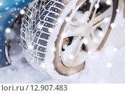 Купить «closeup of car wheel», фото № 12907483, снято 16 января 2014 г. (c) Syda Productions / Фотобанк Лори