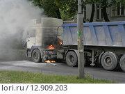 Пожар на тягаче. Стоковое фото, фотограф Дмитрий Пискунов / Фотобанк Лори