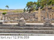 Купить «Развалины древнего города. Камирос, Родос, Греция», фото № 12916059, снято 7 июля 2015 г. (c) Andrei Nekrassov / Фотобанк Лори
