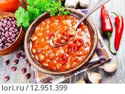 Купить «Суп с красной фасолью и перцем чили», фото № 12951399, снято 22 октября 2015 г. (c) Надежда Мишкова / Фотобанк Лори