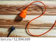 Подключение провода к розетке. Стоковое фото, фотограф Виктор Колдунов / Фотобанк Лори