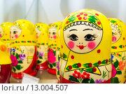 Купить «Красочные матрешки,русский сувенир», фото № 13004507, снято 30 октября 2015 г. (c) EugeneSergeev / Фотобанк Лори