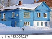 Купить «Деревянный дом зимой, Валдай», фото № 13006227, снято 17 августа 2018 г. (c) Уфимцева Екатерина / Фотобанк Лори