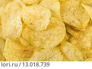 Купить «Prepared potato chips snack closeup view», фото № 13018739, снято 16 июня 2019 г. (c) PantherMedia / Фотобанк Лори