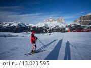 Лыжник на горнолыжном курорте Канацеи, фото № 13023595, снято 4 февраля 2015 г. (c) Донцов Евгений Викторович / Фотобанк Лори