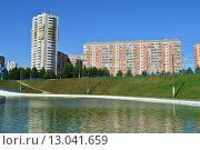 Купить «Дюссельдорфский парк. Москва», эксклюзивное фото № 13041659, снято 29 июля 2015 г. (c) lana1501 / Фотобанк Лори