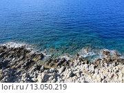 Скалистый берег. Стоковое фото, фотограф Aлексей Зaдорожный / Фотобанк Лори