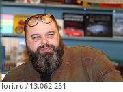 Купить «Сказочник Максим Фадеев», эксклюзивное фото № 13062251, снято 6 ноября 2015 г. (c) Сергей Соболев / Фотобанк Лори
