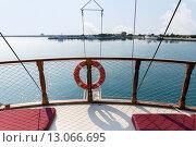 Спасательный круг на яхте, фото № 13066695, снято 25 июля 2015 г. (c) Евгений Ткачёв / Фотобанк Лори