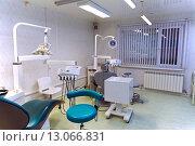 Купить «Стоматологический кабинет», фото № 13066831, снято 28 августа 2015 г. (c) Евгений Ткачёв / Фотобанк Лори