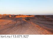 Купить «Природный пейзаж на закате в пустыне Каллютс. Иран. Персия. Ближний Восток. Азия.», фото № 13071927, снято 11 августа 2015 г. (c) Денис Козлов / Фотобанк Лори