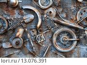 Металлическая фактура из механических деталей. Стоковое фото, фотограф Лариса Ганецкая / Фотобанк Лори