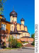 Купить «Успенский женский монастырь. Куремяэ, Эстония», фото № 13079383, снято 27 сентября 2015 г. (c) Andrei Nekrassov / Фотобанк Лори