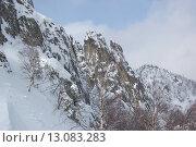 Купить «Скалы в снегу, Перья Двухглавой Таганай», фото № 13083283, снято 9 марта 2013 г. (c) Юрий Карачев / Фотобанк Лори