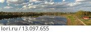 Купить «Панорамный вид на город Тотьму в Вологодской области и реку Сухону», эксклюзивное фото № 13097655, снято 17 мая 2014 г. (c) Самохвалов Артем / Фотобанк Лори