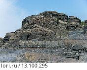 Старая живописная скала. Стоковое фото, фотограф Инна Маслова / Фотобанк Лори