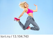 Купить «Fit blond girl doing exercises», фото № 13104743, снято 6 сентября 2014 г. (c) Ingram Publishing / Фотобанк Лори
