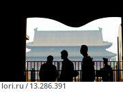 Drum Tower viewed from the Bell Tower, Beijing, China, Asia. Стоковое фото, фотограф Sara Janini / age Fotostock / Фотобанк Лори