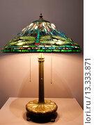 Tiffany lamp, the Charles Hosmer Morse Museum, Winter Park, Florida, United States of America, North America. Стоковое фото, фотограф Michael DeFreitas / age Fotostock / Фотобанк Лори