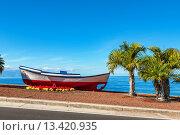 Купить «Старая лодка. Пуэрто-де-Сантьяго, Тенерифе, Испания», фото № 13420935, снято 27 января 2012 г. (c) Andrei Nekrassov / Фотобанк Лори