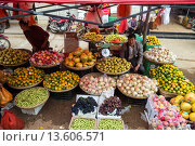 Купить «China, Yunnan Province, Kunming Municipality, Dongchuan District, Niujie village, local market, fruits», фото № 13606571, снято 22 мая 2019 г. (c) age Fotostock / Фотобанк Лори