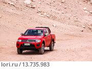 Купить «Mitsubishi L200», фото № 13735983, снято 15 ноября 2015 г. (c) Art Konovalov / Фотобанк Лори