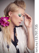 Купить «female makeup styling barber frau», фото № 13797735, снято 20 мая 2019 г. (c) PantherMedia / Фотобанк Лори