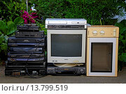 Купить «trical waste standing at a roadside for being collected and recycled, Germany», фото № 13799519, снято 18 апреля 2019 г. (c) age Fotostock / Фотобанк Лори