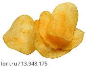 Купить «Картофельные чипсы на белом фоне», фото № 13948175, снято 25 ноября 2015 г. (c) Анна Зеленская / Фотобанк Лори