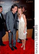 Купить «Sheryl Crow & Mitch Glazer - Beverly Hills/California/United States - CARTIER CELEBRATES 25 YEARS IN BEVERLY HILLS», фото № 13987355, снято 9 мая 2005 г. (c) age Fotostock / Фотобанк Лори
