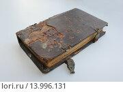 Старая книга с застёжками. Стоковое фото, фотограф Алексей Макшаков / Фотобанк Лори