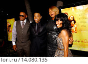 Will Smith, Tristan Wilds, Queen Latifah & Jada Pinkett Smith - Beverly Hills/California/United States - THE SECRET LIFE OF BEES FILM PREMIERE (2008 год). Редакционное фото, фотограф visual/pictureperfect / age Fotostock / Фотобанк Лори