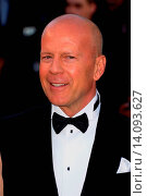 Купить «Bruce Willis - Cannes/Italy/Italy - 65TH ANNUAL CANNES FILM FESTIVAL - OPENING NIGHT AND PREMIERE OF MOONRISE - NO ITALIAN SALES», фото № 14093627, снято 16 мая 2012 г. (c) age Fotostock / Фотобанк Лори