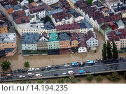 Купить «street Obere Donaulaende at river Danube flooded in June 2013, Germany, Bavaria, Passau», фото № 14194235, снято 8 июля 2020 г. (c) age Fotostock / Фотобанк Лори