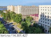 Купить «Хабаровск, 301 окружной военный клинический госпиталь», фото № 14301427, снято 9 сентября 2015 г. (c) Игорь Сарапулов / Фотобанк Лори