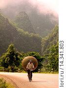 Купить «Die Landschaft am Xe Bang Fai River beim Dorf Mahaxai Mai von Tham Pa Fa unweit der Stadt Tha Khaek in zentral Laos an der Grenze zu Thailand in Suedostasien.», фото № 14341803, снято 23 июля 2019 г. (c) age Fotostock / Фотобанк Лори