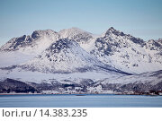 Купить «Hamlet on Kvaloya Island near Sommeroy in Arctic Circle Northern Norway», фото № 14383235, снято 21 июля 2018 г. (c) age Fotostock / Фотобанк Лори