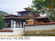 Beautiful house built in Bhutanese style. On the way to Punakha Dzong. Punakha. Bhutan. Стоковое фото, фотограф Ephotocorp / age Fotostock / Фотобанк Лори