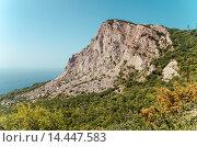 Купить «Гора на берегу Крыма», фото № 14447583, снято 22 апреля 2018 г. (c) Михаил Егоров / Фотобанк Лори