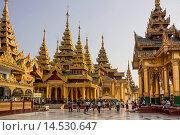 Купить «Myanmar, Burma, Asia, Shwedagon, Yangon, Rangoon, architecture, Buddha, Buddhism, clean, colourful, pagoda, golden, praying, religion, tourism, touristic, travel», фото № 14530647, снято 21 января 2014 г. (c) age Fotostock / Фотобанк Лори