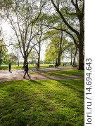 Hyde Park, Broad Walk, London, UK. Стоковое фото, фотограф Bjanka Kadic / age Fotostock / Фотобанк Лори