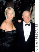 Купить «Ellen Barkin and Ron Perelman at Metropolitan Museum of Art Goddess Gala, NY 4/28/2003, by CJ Contino», фото № 14807115, снято 21 ноября 2002 г. (c) age Fotostock / Фотобанк Лори