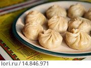 Купить «Momos, or traditional dumplings at Kunga´s in Darjeeling.», фото № 14846971, снято 7 апреля 2013 г. (c) age Fotostock / Фотобанк Лори