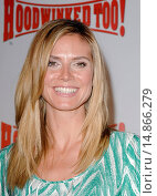 Купить «Heidi Klum at arrivals for HOODWINKED TOO! Hood vs Evil Premiere, Pacific Theaters at The Grove, Los Angeles, CA April 16, 2011. Photo By: Elizabeth Goodenough/Everett Collection», фото № 14866279, снято 16 апреля 2011 г. (c) age Fotostock / Фотобанк Лори