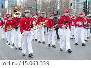 Купить «Band marching at the annual Saint Patrick´s Day Parade in Chicago.», фото № 15063339, снято 16 марта 2013 г. (c) age Fotostock / Фотобанк Лори