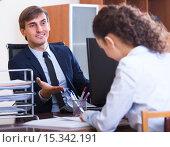 Купить «employee having job interview», фото № 15342191, снято 1 апреля 2020 г. (c) Яков Филимонов / Фотобанк Лори