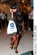 Купить «Jameela Jamil arrives at Los Angeles International (LAX) airport Featuring: Jameela Jamil Where: Los Angeles, California, United States When: 01 Sep 2014 Credit: WENN.com», фото № 15437343, снято 1 сентября 2014 г. (c) age Fotostock / Фотобанк Лори