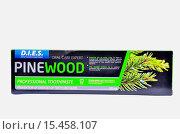 Купить «Зубная паста Pinewood», фото № 15458107, снято 7 декабря 2015 г. (c) Игорь Кутателадзе / Фотобанк Лори